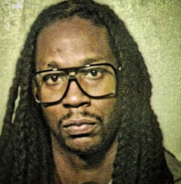 2 CHAINZ  ARRESTED AFTER TOUR BUS STANDOFF
