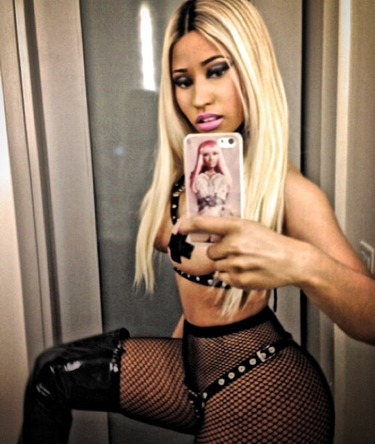 Nicki Reminds Her Fans Who The Real Nicki Minaj Is [Sexy Halloween Costume]
