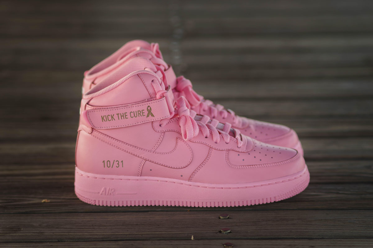 exclusive air force 1 39 s to be auctioned off to help fight. Black Bedroom Furniture Sets. Home Design Ideas