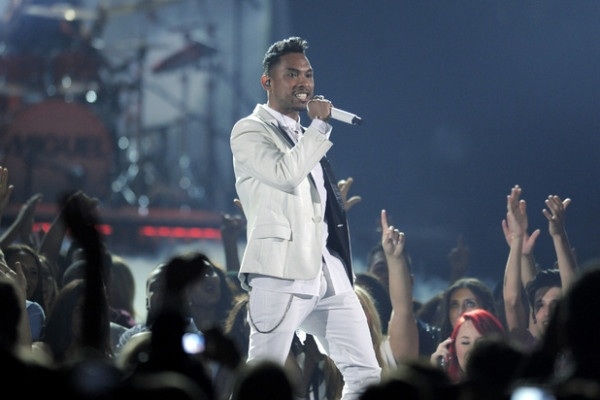 Miguel Was Told Not To Jump At Billboard Awards